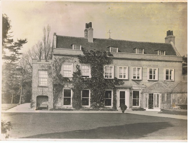 Small country house: Dawley Court, Hayes, Hillingdon, Uxbridge, Middlesex, UK. (c. 1894), was sold with 20 acres in 1929 for £10,000, and demolished soon after.