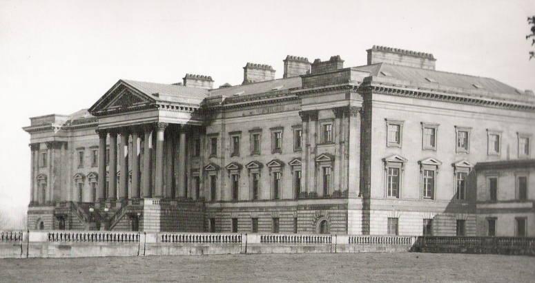 Hamilton Palace, the seat of the Dukes of Hamilton, built in 1695, was subsequently much enlarged. It was demolished in 1921.