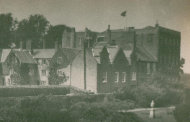 The old manor of Halswell from the south east, c. 1900, photographed before the eighteenth-century sash windows on the east side were removed and replaced with more original sixteenth-century mullion windows.