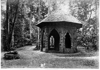 The Druid's Hut, built in 1756 (burnt down c.1968) at the south west of Mill Wood.