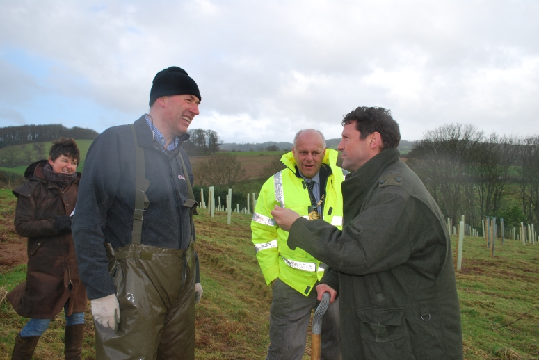 Simon Bonvoisin, braving the cold having graciously given up his coat for a lady, discusses the final phases of tree planting in Mill Wood with Edward Strachan. Some small areas have been left unplanted to leave room for archaeological work and rebuilding the missing follies and the necessary structural work that must be carried out on the dams and bridges.